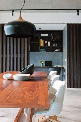 Tasmanian oak parquetry flooring and the timber battens of the study nook display a subtle use of natural finishes.