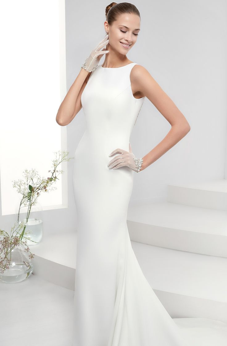 42 best Wedding Gown Style N images on Pinterest | Wedding frocks ...