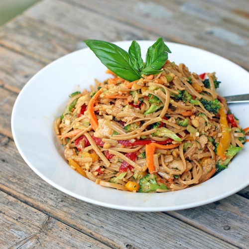 spicy peanut chicken saladPeanuts, Weeknight Dinner, Thai Noodles, Peanut Chicken, Thai Chicken, Chicken Salads, Spicy Peanut, Summer Dinner, Peanut Butter