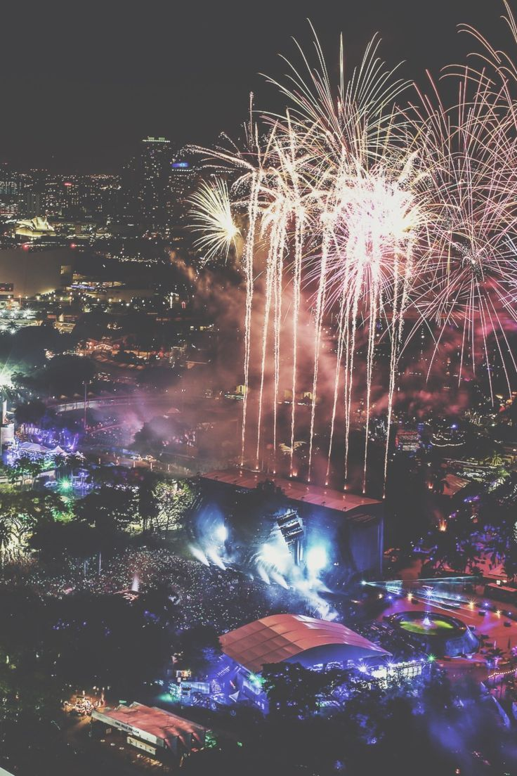EDM VIBE           - Ultra Music Festival 2016   RUDGR.COM