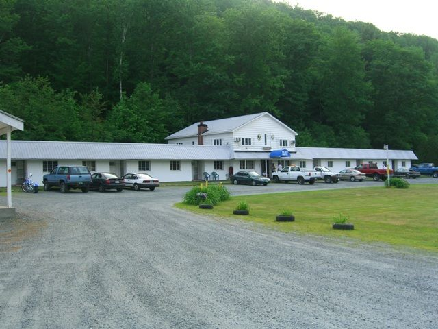 Pinecrest Motel - White River Junction Vermont