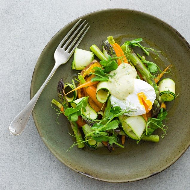 POACHED EGGS WITH ASPARAGUS, PEA TENDRILS AND SPRING HERB HOLLANDAISE