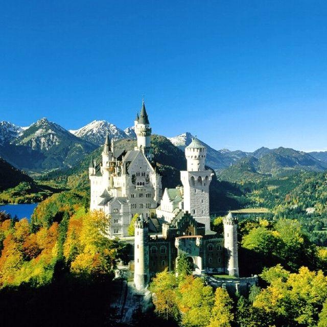 Un castello in stile romantico a Fuessen in Germania