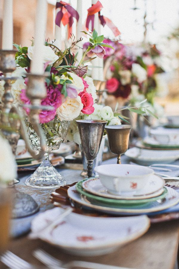 Tablescape with Spring Flowers!