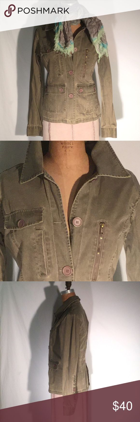 Overdrive safari-style denim jacket-pocket-rich! Overdrive olive green distressed denim safari jacket or similar to a barn jacket, but much more feminine in fit. 4-button front, 2 faux breast pockets w/button flaps, 2 gusseted patch flap pockets on front, 1 vertical welt pocket above that as well as a zip-closure vertical pocket across from it. Back gusset with seam at waist & box pleat vent below. 100% cotton. Size Large. PM647 Overdrive Jackets & Coats Jean Jackets