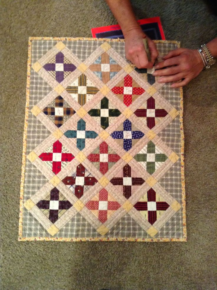 106 best Miniature.Quilts images on Pinterest   Mini quilts, Small ... : tiny quilts - Adamdwight.com