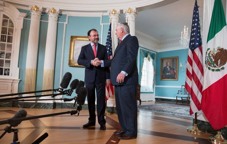 El secretario Luis Videgaray realizó el día de ayer un encuentro bilateral en la ciudad de Washington, con el fin de definir la renegociación del TLCAN  #México #TLCAN #LuisVidegaray #RexTillerson