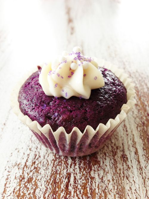 Skinny Purple Velvet Cupcakes & Cream Cheese Frosting