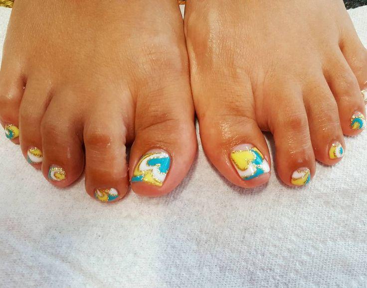 #footnail #gelnails #nailart #naildesign #heart#nails#beauty #cute#beachnails #pedicure #hawaii#instanails #ネイル#ネイルデザイン#ネイルアート#ジェルネイル#ペディキュア#フットネイル#手描き#プッチ柄 #ハワイ by 808nails_