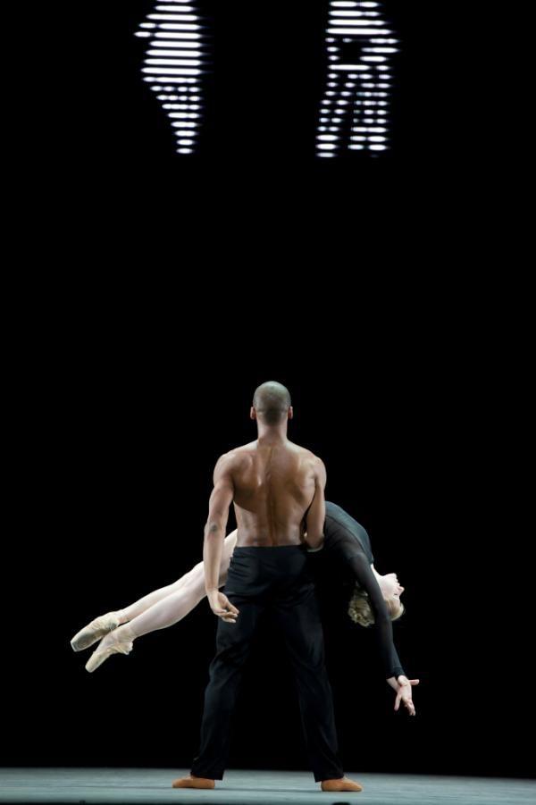 "The Royal Ballet's Melissa Hamilton and Eric Underwood in Wayne McGregor's ""Infra"""