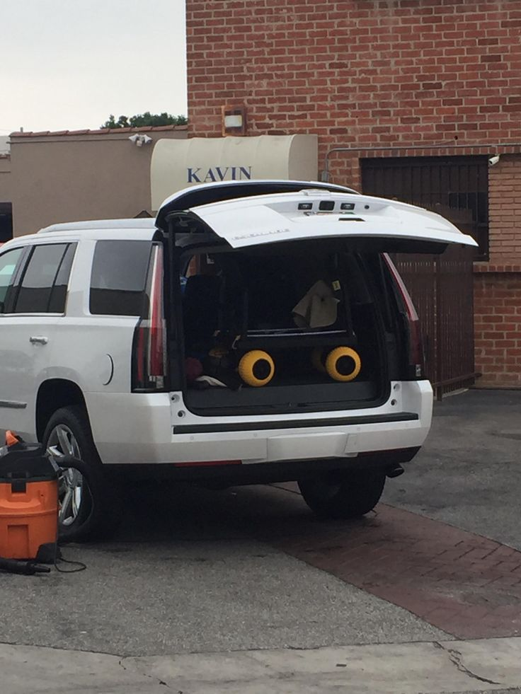 This SUV has a not impressed face on it