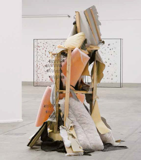 Jeremias Bucher  Moment 2014 Divano rivoltato Sofa umgestülpt Materiali diversi Verschiedene Materialien > Galerie 2010 Materiali diversi Verschiedene Materialien 170×170×240 cm