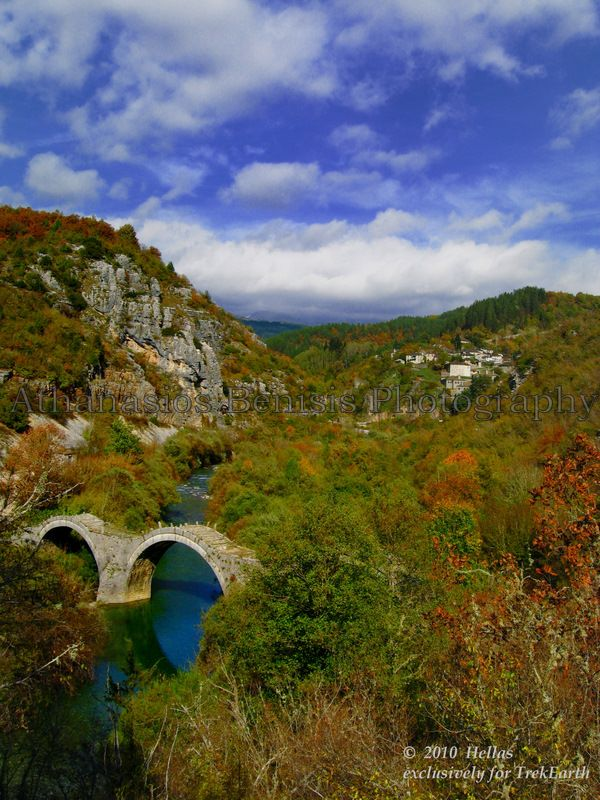 Kipoi village and Kalogeriko (or Plakidas) stone bridge ~ Epirus
