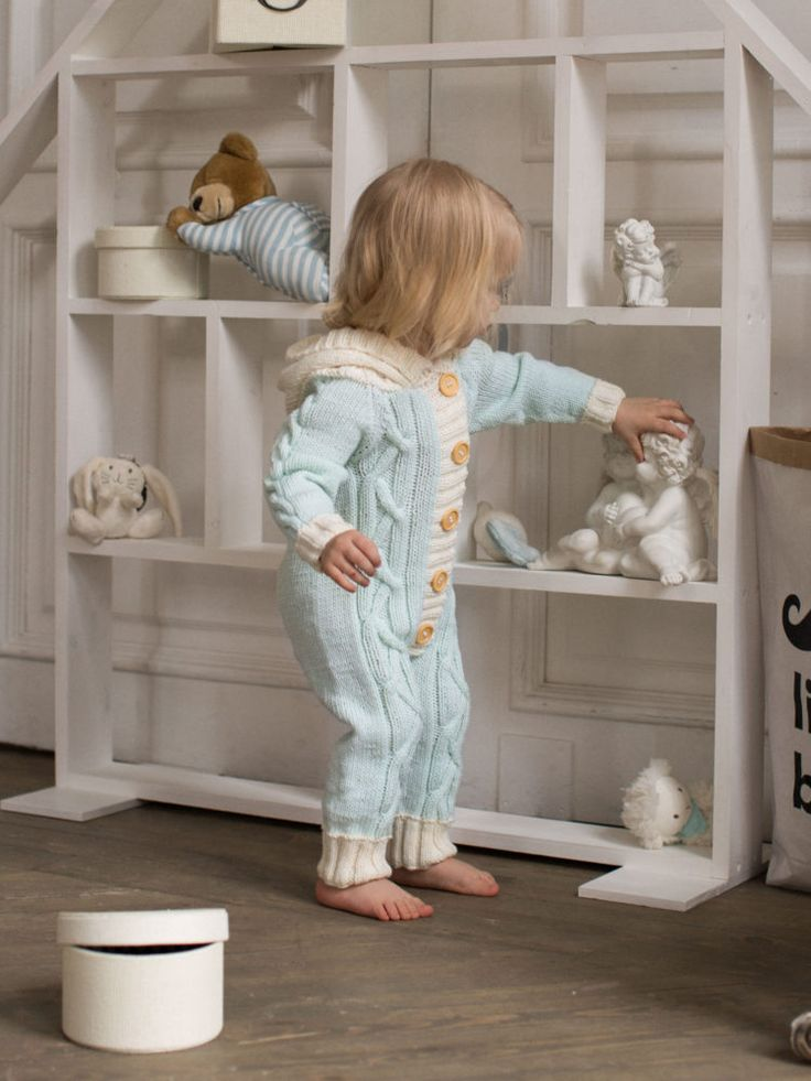 Детский вязаный комбинезон ручной работы. Связан спицами из итальянской пряжи с…
