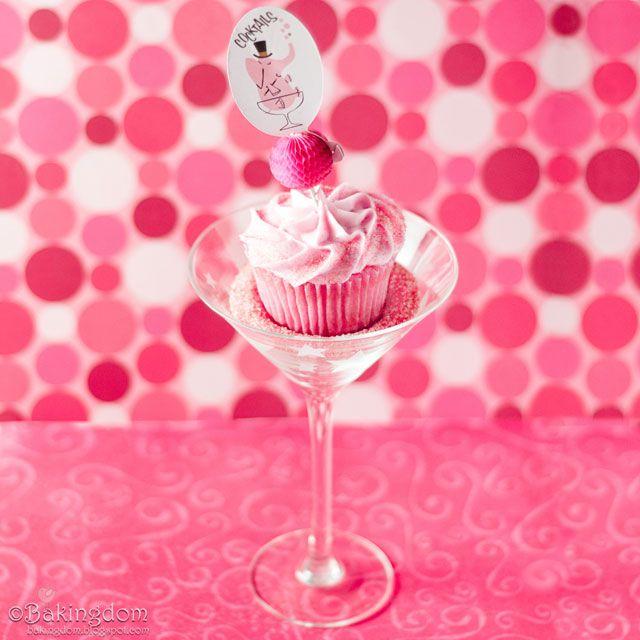 Cosmopolitan Cupcakes. I wanna Make!!: Pink Pink Pink, Vegans Cocktails Cupcakes, Bachelorette Parties, Cosmopolitan Cupcakes, Cosmo Cupcakes, Pink Cupcakes, Cupcakes Rosa-Choqu, Birthday Cakes, Pink Parties