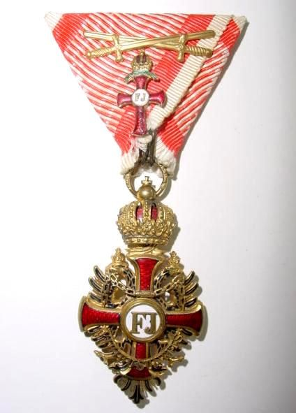Franz Joseph Order, Officer's Cross 'kleinen Dekoration' breast badge, sewn on military ribbon decoration of the Officer's Cross, with Swords.
