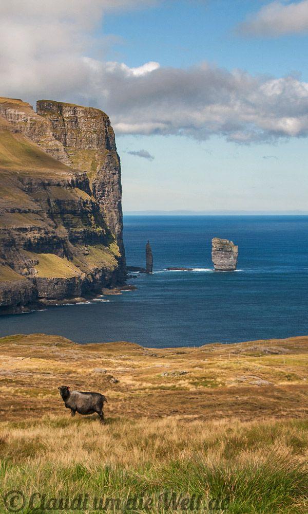 Risin og Kellingin, Färöer Inseln - Faroe Islands  #travelblog #reiseblog