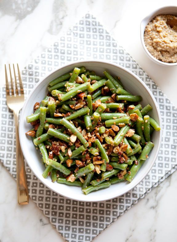 green bean and toasted almond salad