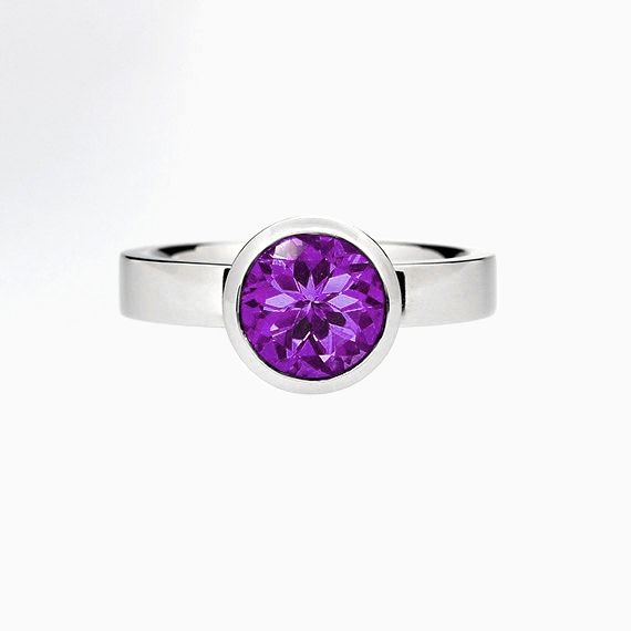 Bezel engagement ring with Amethyst in Palladium