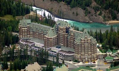Image from http://luxurygolfvacations.ca/sites/default/files/imagecache/gallery_display/resorts/fairmont_banff_spring_hotel_group_golf_packages.jpg.