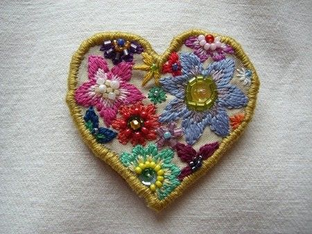 the cutest little floral stitched heartEmbroidery 刺繍, Stuff, Beads Heart, Art Colours, Stitches Ems, Heart To Heart, Finding Heart, Vintage Linen, Floral Stitches Heart
