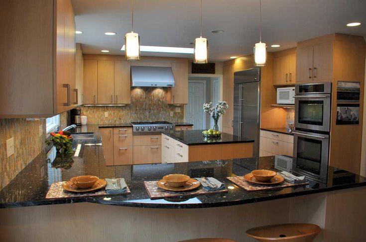 Kitchen Peninsula Design With Mini Bar And Granite Cabinet