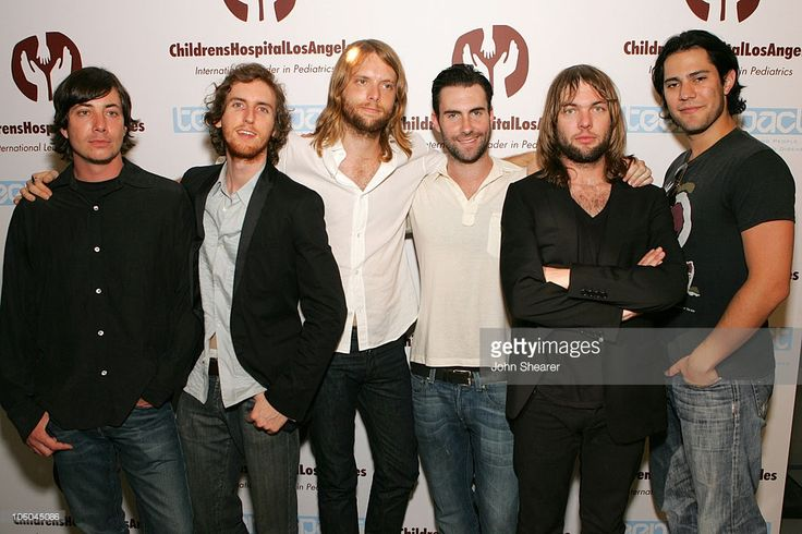 Matt Flynn, Jesse Carmichael, James Valentine, Adam Levine, Mickey Madden and Ryan Dusick of Maroon 5