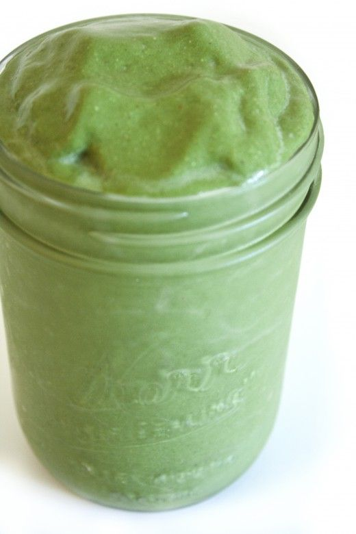 Gargantuan Green Giant:  3/4 cup unsweetened almond milk 2 cups fresh spinach 1 frozen banana 1/4 cup rolled oats 2 Tbsp almonds 2 Tbsp unsweetened shredded coconut 1 Tbsp cocoa powder 1/2 Tbsp chia seeds 1 tsp Spirulina powder 1/2 tsp vanilla 6 drops liquid stevia or other natural sweetener 6 ice cubes  Combine all ingredients in a high powered blender and blend until smooth. Enjoy cold.