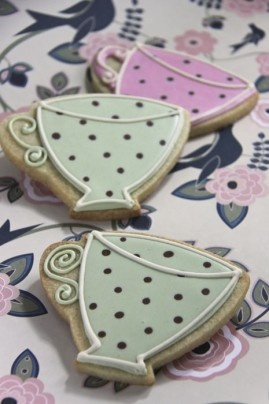 Spotty Teacup Iced Biscuits