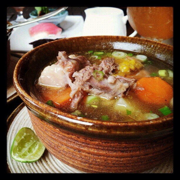 Sop Buntut (English: Oxtail Soup) is a very popular dish in Indonesia. Indonesian oxtail soup can be found all over the archipelago and is made of slices of beef tail, served in vegetables soup with rich but clear beef broth contains boiled potato, carrot, tomato, and celery. Indonesian sop buntut is seasoned with fried shallot. #indonesia #food #culinary #soup #eat…