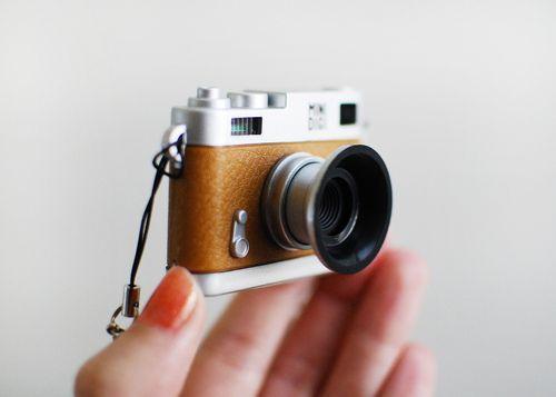 tiny cameraMinis Cameras, Cameras Stuff, Cameras Lens, Cameras Photography, Digital Cameras, Japan Cameras, Henna Tattoo, Photography Equipment, Tiny Cameras