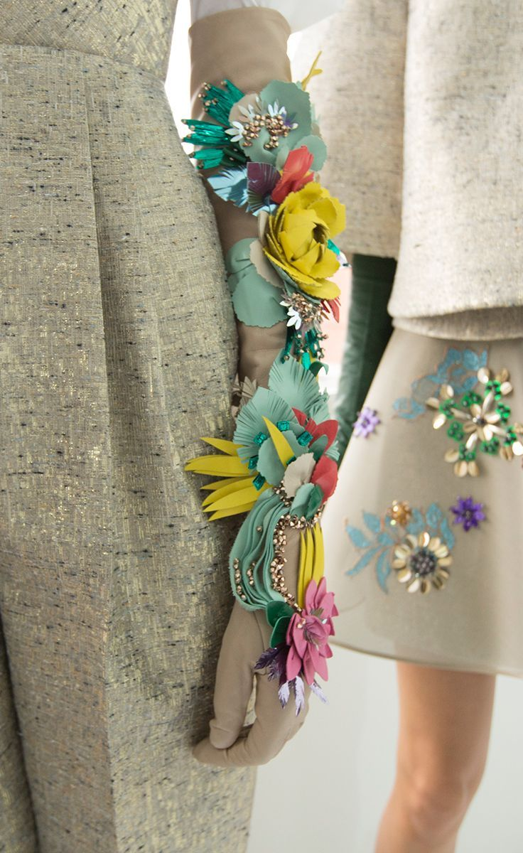 Delpozo Fall 2016 Ready-to-Wear | floral sleeves omg