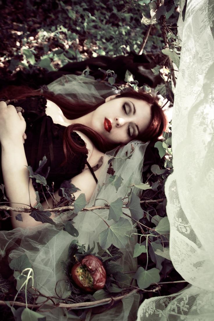 Fantasy | Magic | Fairytale | Surreal | Myths | Legends | Stories | Dreams | Adventures | Snow White