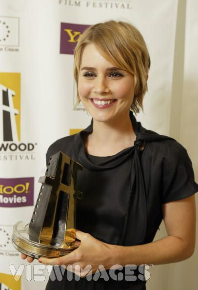 Alison Lohman has oodles of talent and the most charming smile! can't wait to see more of her work!