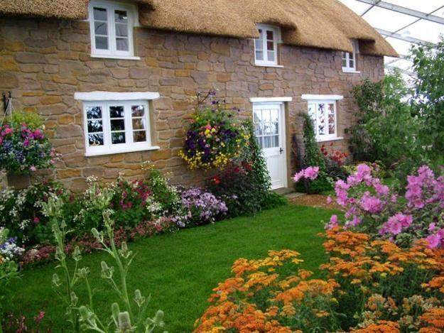 Wie Man Diesen Herbst Einen Schonen Garten Hat Englische Landhausgarten Bauerngarten Cottage Garten Design