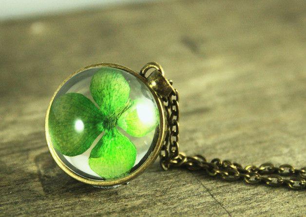 Ketten lang - ♥ ECHTES Kleeblatt ♥  Glücksbringer Kette bronze - ein Designerstück von KaramboolaNoir bei DaWanda