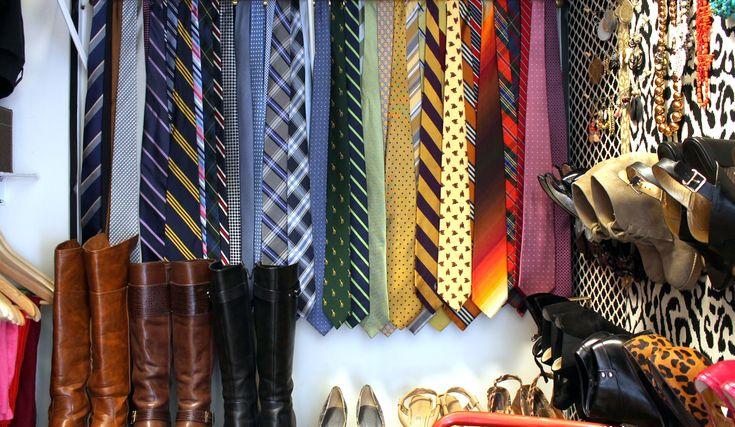 Как правильно хранить галстуки, ремни и шляпы