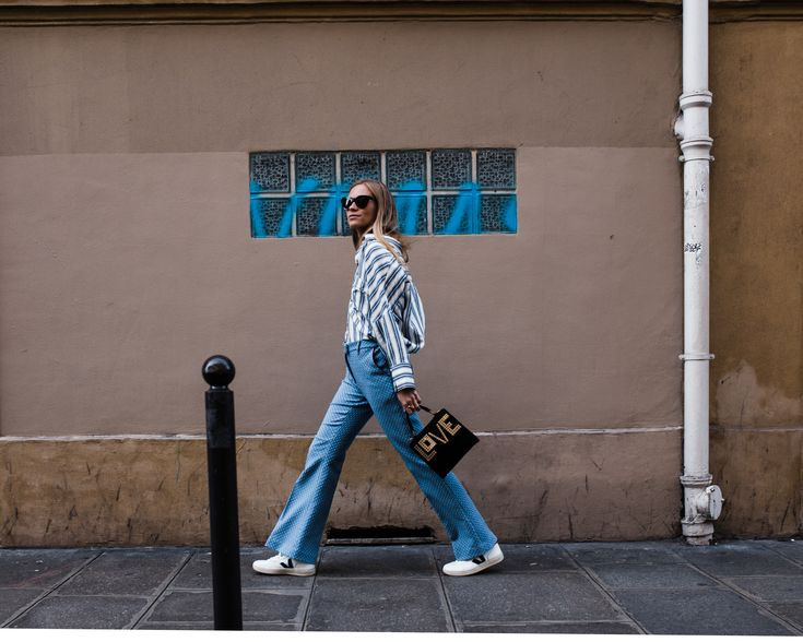 Influencer Tine Andrea in the streets of Paris