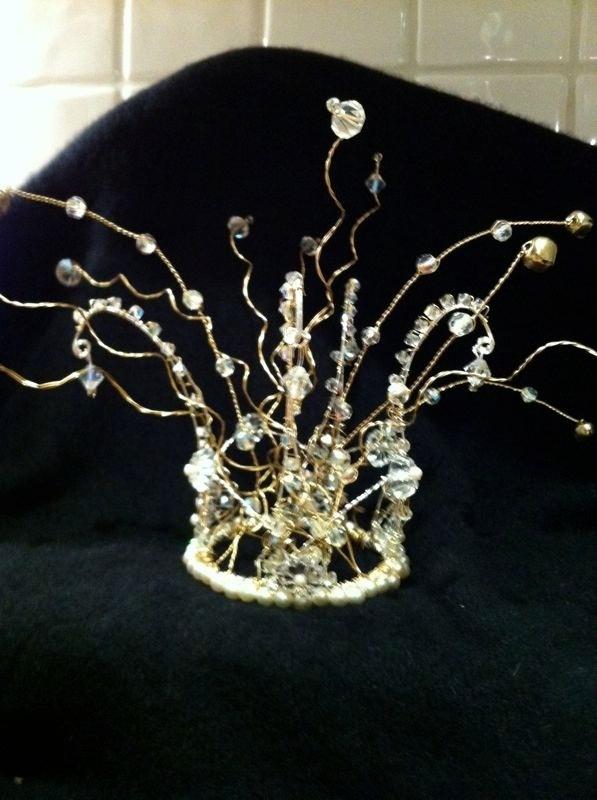 how to make a christmas tiara