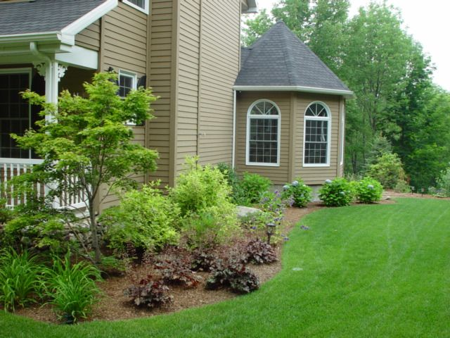 This Home Continues The Foundation Plantings From The Front Through The  Side, Switching From Sunny Shrubs/perennials To Shady Ones Such As Heuchera  And ...