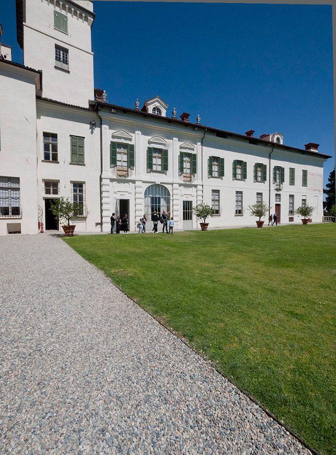 Castle of Masino, Piedmont, Italy. www.italianways.com/the-history-of-italy-in-fais-castle-of-masino/ - Italian Ways