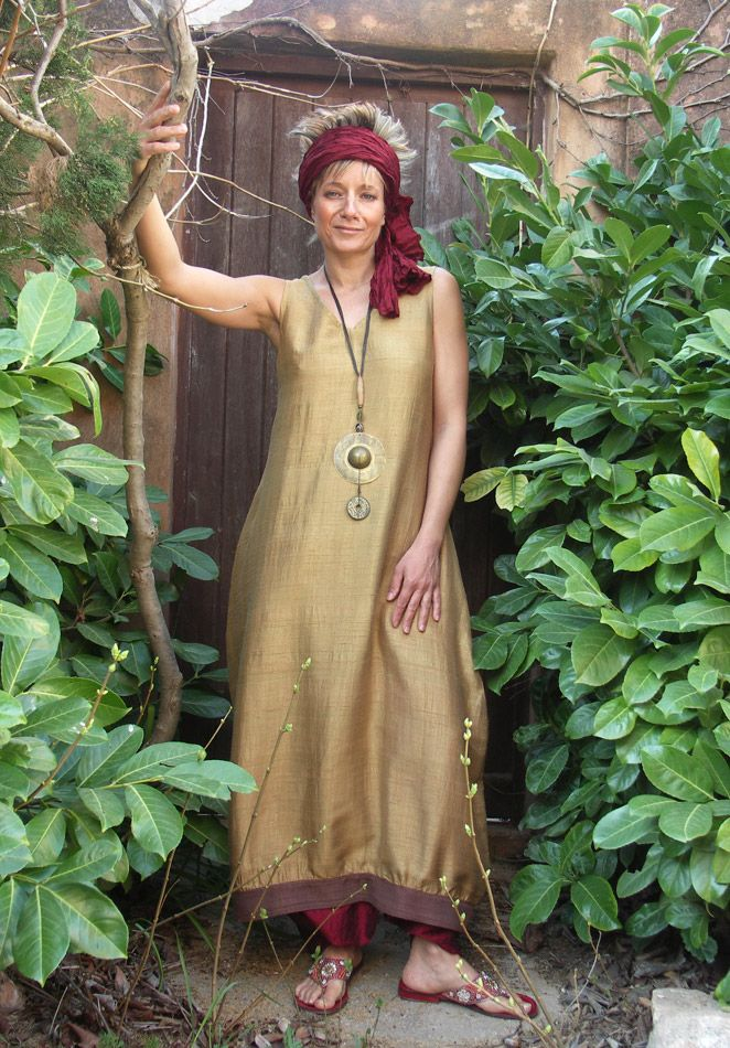 AMALTHEE CREATIONS-not necessarily my colors but love how the pants/headwrap/sandals pull the look together.