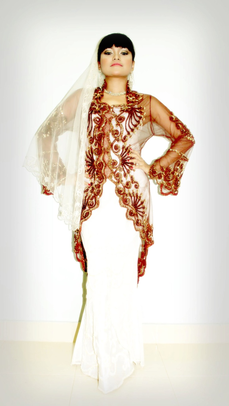 """•Pakej Andaman Pengantin •Pakej Set Pelamin •Gubahan Hantaran •Baju pengantin moden •Pakej Masakan/catering pengantin •Make-Up Pengantin •Pakej Fotografi """" Untuk tempahan sila hubungi Saripa 012-6864041 """""""