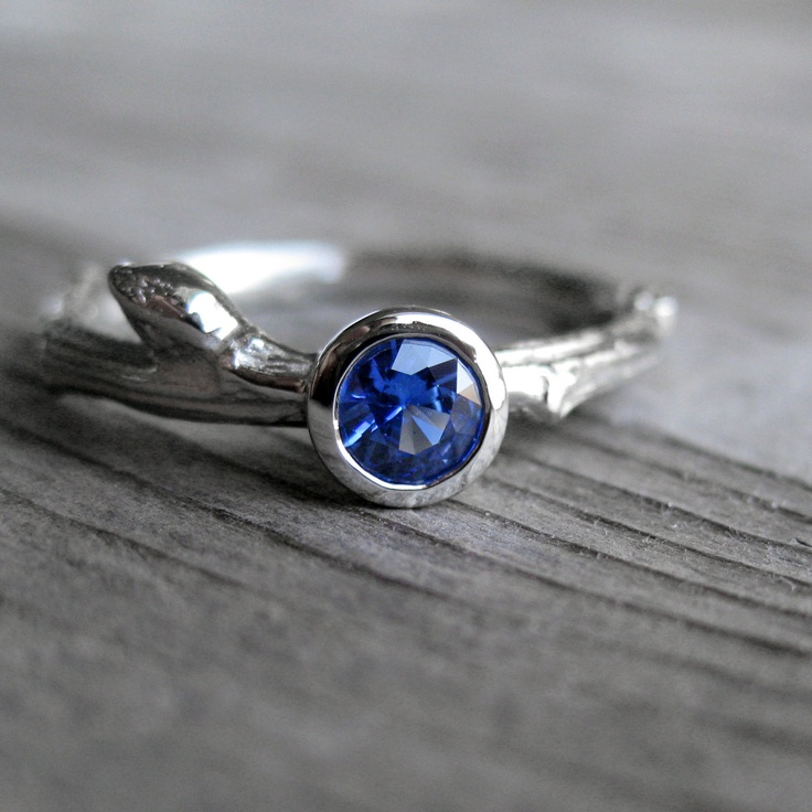 Beautiful ! SALE: Blue Sapphire Budding Branch Ring in White Gold