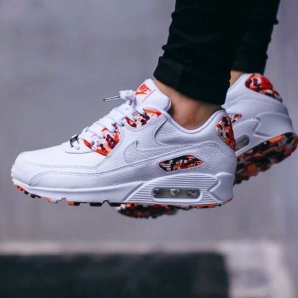 Nike Air Max 90 London Edition •Nike white grained leather