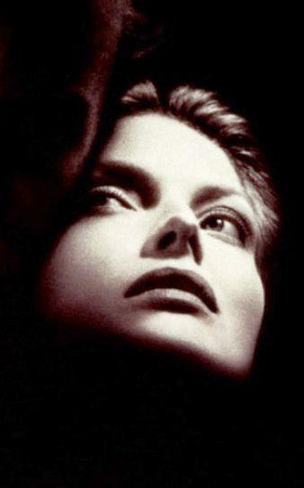 Michelle Pfeiffer in Wolf movie poster.