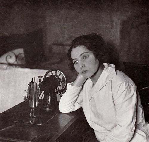 """Białystok, 1926. The unemployed seamstress"""