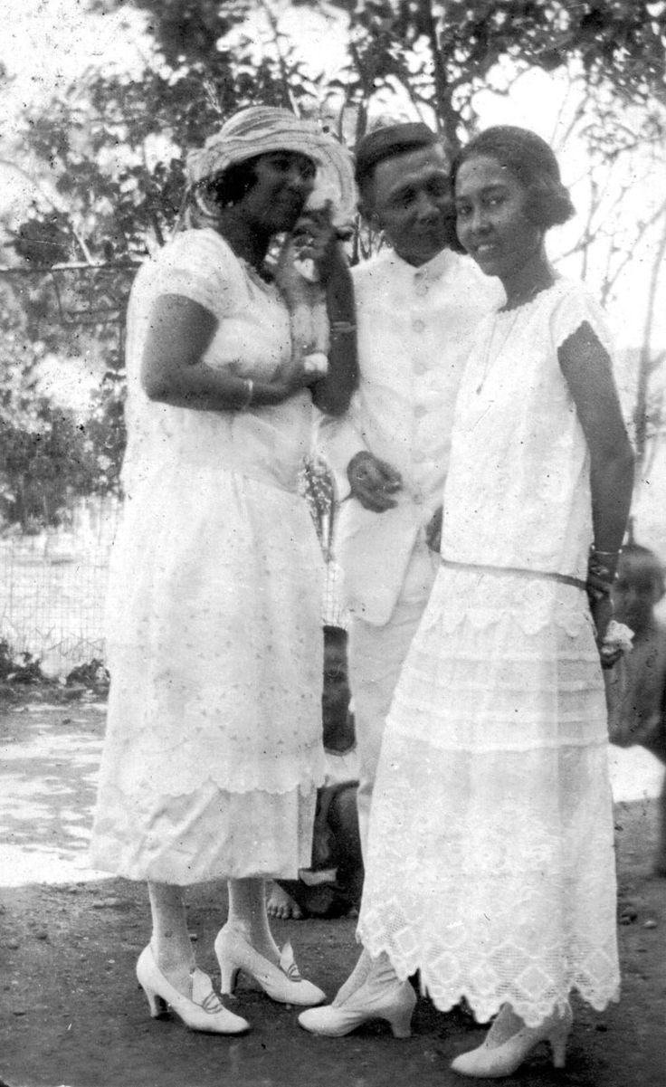 Louis Gotthart, Tropical colonial Indo Eurasian male and female dress, Semarang, Java, Dutch East Indies, 2 November 1922.