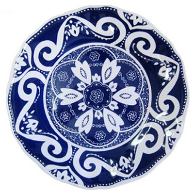 love this blue and white patterned plate