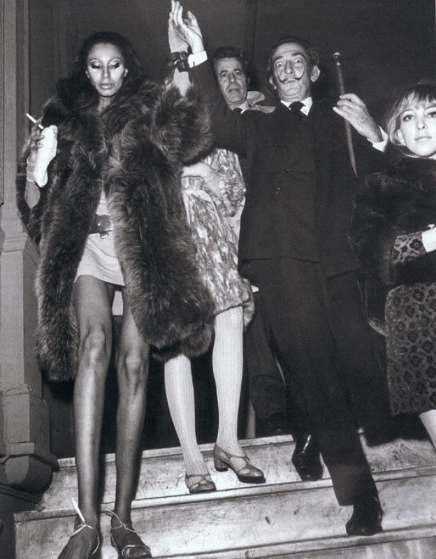 Salvador Dali with Donyale Luna 1967